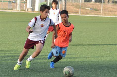 imagenes de niños jugando al futbol jugando futbol gallery