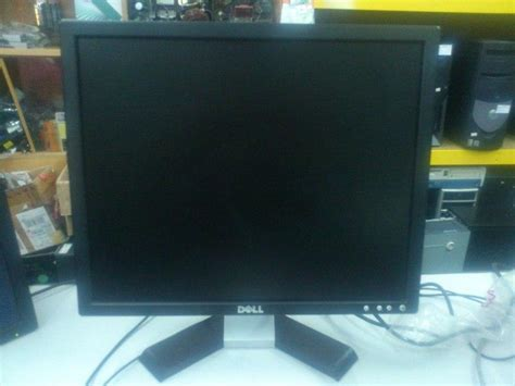Monitor Lcd Dell 19 Inch dell 19 inch square lcd monitor 100 end 8 17 2017 12 35 am