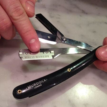 section razor how to change the blade in your straight razor the