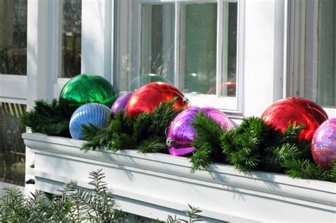 window box outdoor christmas decorations pic21 805x536