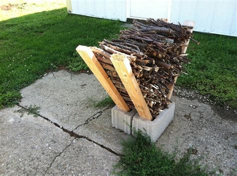 easy outdoor diy firewood rack from cinder blocks 1001