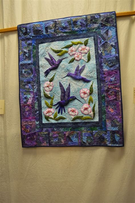 Quilt Displays by The Nifty Stitcher Quilt Display