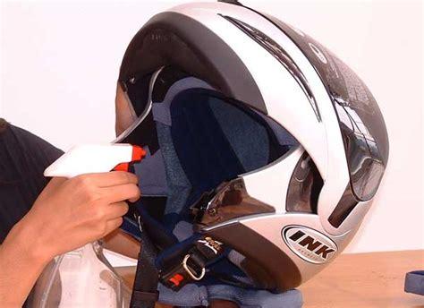 Penyerap Bau Pada Helm tips merawat helm supaya tidak bau info mobil baru