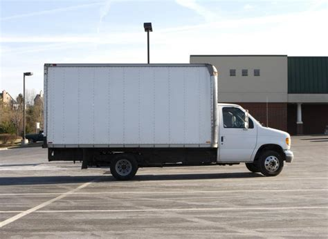 moving trucks for rent moving truck images