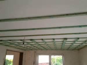 gipsplatten decke decke abh 228 ngen mit dachlatten gipskarton so wird es