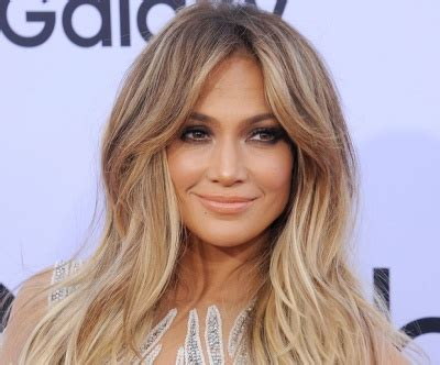 how do you get the color of jenny mccarthy hair and donnie loves jenny here s how to get jennifer lopez s hair color