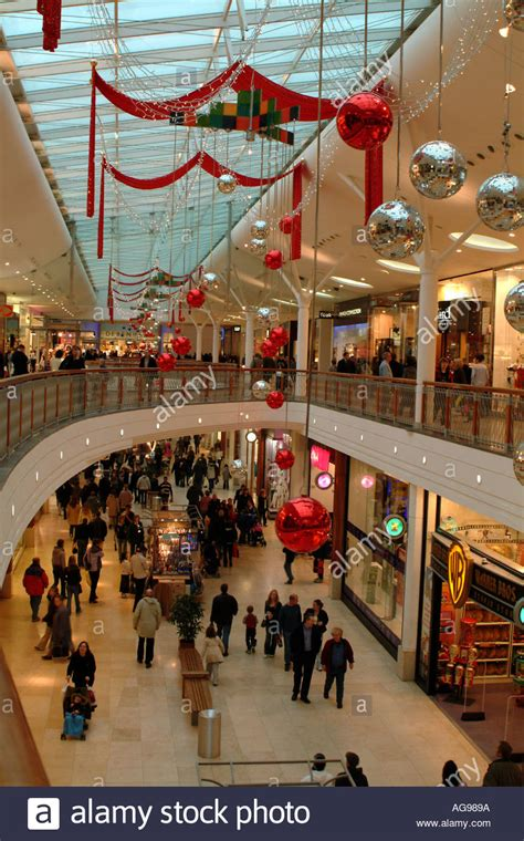 christmas shoppers basingstoke hshire england uk