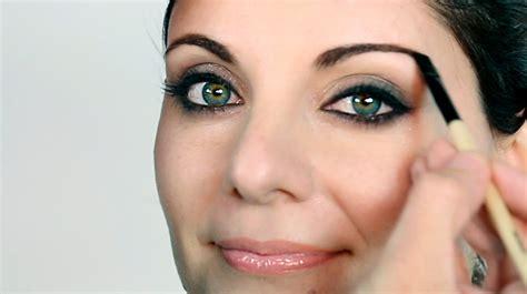imagenes de ojos verdes claros destacar ojos verdes o claros bobbi brown maquillaje
