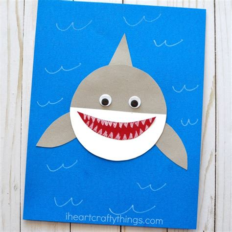 shark craft projects shark week simple paper shark craft i crafty things