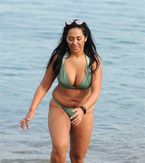 sophie kasaei in bikini on the beach in barcelona 11 12 2016   hawtcelebs   hawtcelebs
