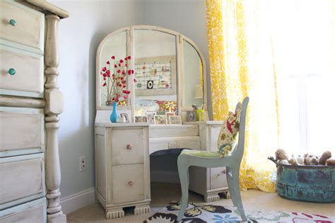 Girls Bedroom Vanity 1000 Images About Eclectic S Room On Pinterest