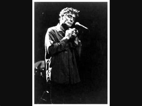 La Meme Histoire Lyrics - mano solo paris boulevards lyrics