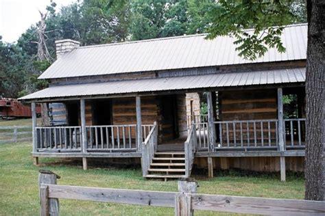 membuat rumah hantu ini rumah hantu penyihir paling terkenal di amerika