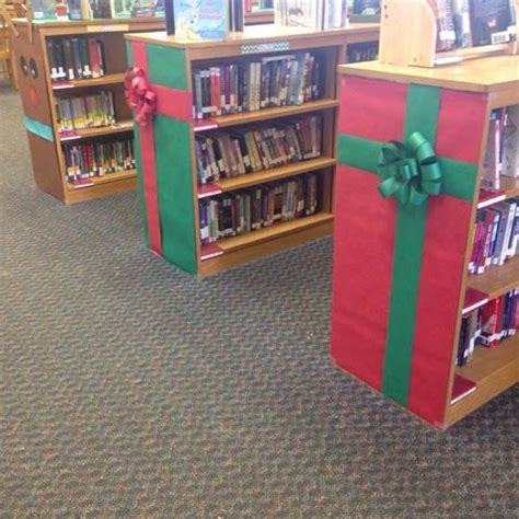 bookcase christmas decorating ideas 1000 images about christmas door covers on pinterest
