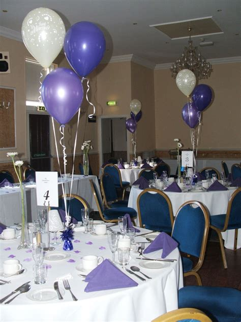 Balloons 3 latex balloons table decoration or floor standing