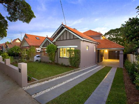 californian bungalow fences rendered brick californian bungalow house exterior with