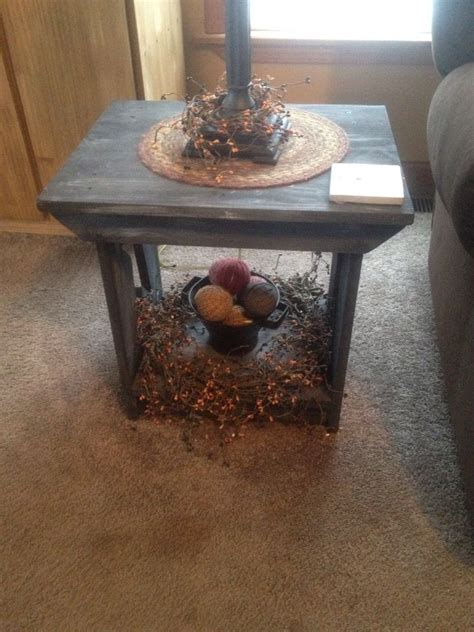 primitive coffee table decor 26 best primitive tables images on pinterest