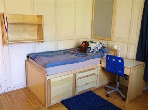 desain tembok kamar kos mempercantik kamar kos dengan desain kamar kost minimalis
