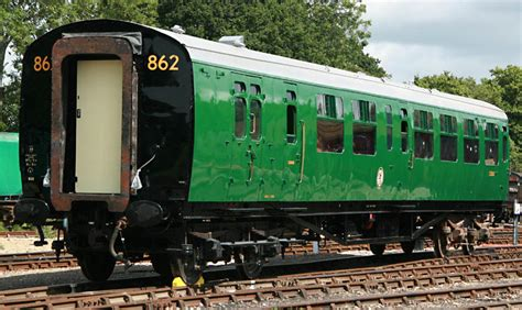 Coach 2526 Uk341125 bluebell railway carriages no 2526