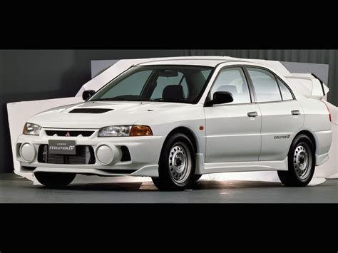 new mitsubishi evo mitsubishi lancer evolution through the years autoevolution