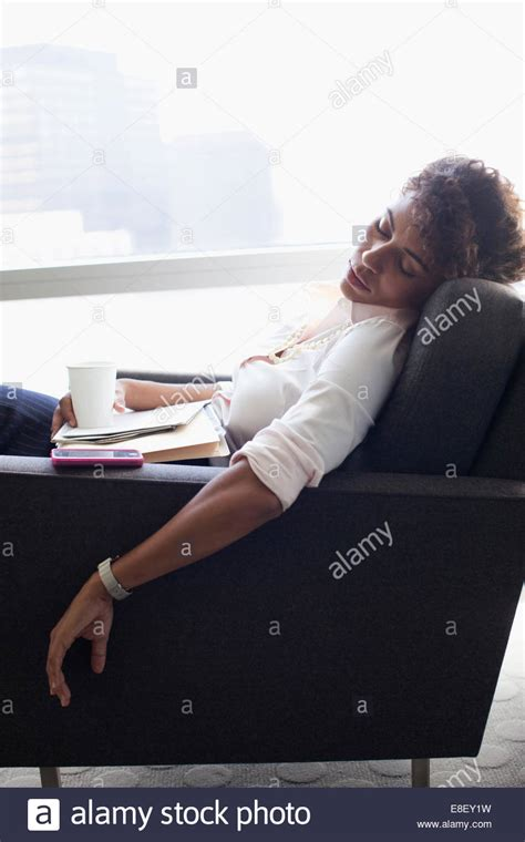 Office Chairs You Can Sleep In Mesmerizing Sleeping In Office Chair 37 For Your Modern