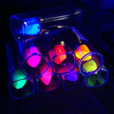Fluoriserende Nagellak by Fluoriserende Lipstick Glow In The Winkel