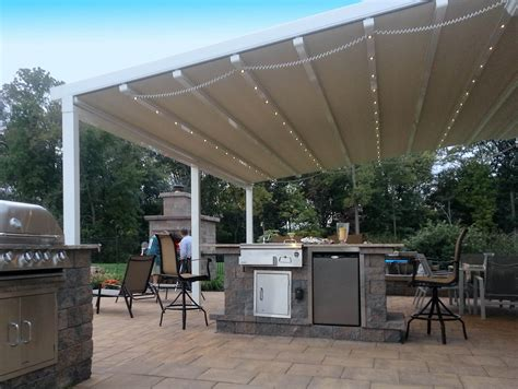 How Do Retractable Awnings Work by Manual And Motorized Retractable Awnings