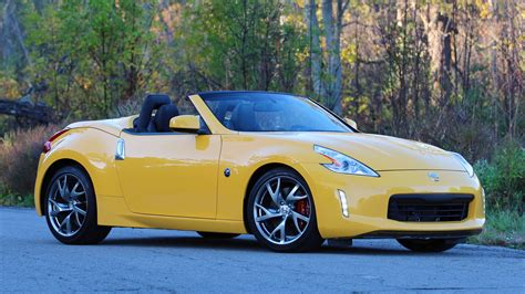 2017 nissan 370z convertible 2017 nissan 370z roadster review old dog same tricks
