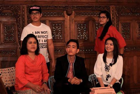 profil jokowi dan istri foto foto lengkap gibran jokowi dan selvi ananda