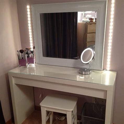 Bedroom Vanity Sets With Lighted Mirror by Create A Vanity Table With Lighted Mirror Doherty House