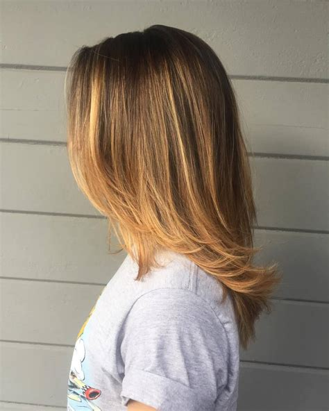 shoulder length hair with layers at bottom shoulder length hair with layers at bottom medium length