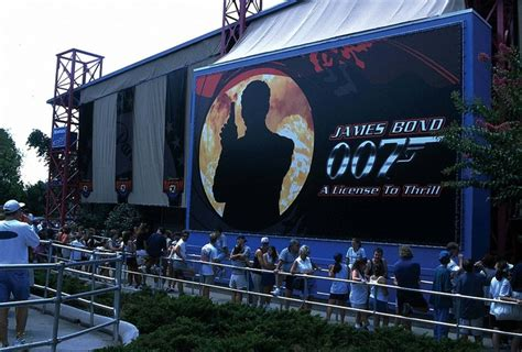 theme line with james line queue for james bond license to thrill ride at
