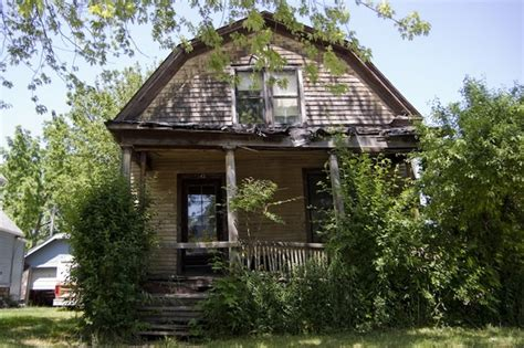 reasons to condemn a house pin dilapidated house on pinterest