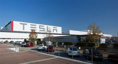 tesla deal tesla reportedly makes deal to build factory