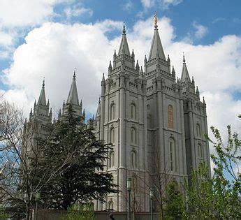 Charming Christian Churches In Utah #2: 345px-Slc_mormon_tempel.jpg