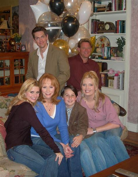 reba show cast member dies reba tv show cast www imgkid com the image kid has it