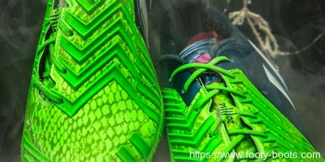 Sepatu Bola Adidas Predator Instinct new adidas predator futsal 2014 www pixshark images galleries with a bite