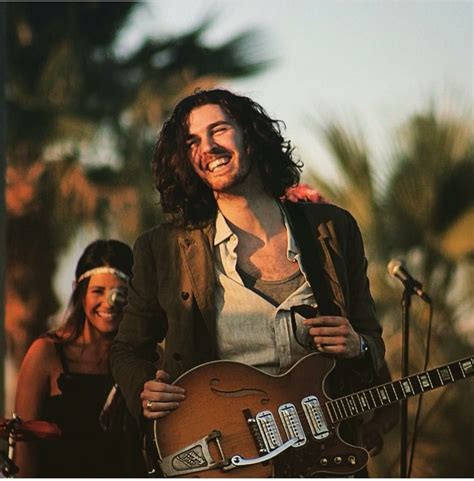 hozier vogue smile hozier 24 7 hozier 24 7 pinterest people