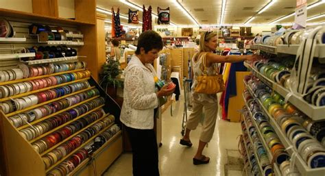 Upholstery Fabrics Store by All Hancock Fabrics Stores Will Liquidate 863
