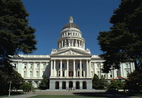 Www House Gov California file california state capitol front 1999 jpg wikimedia commons