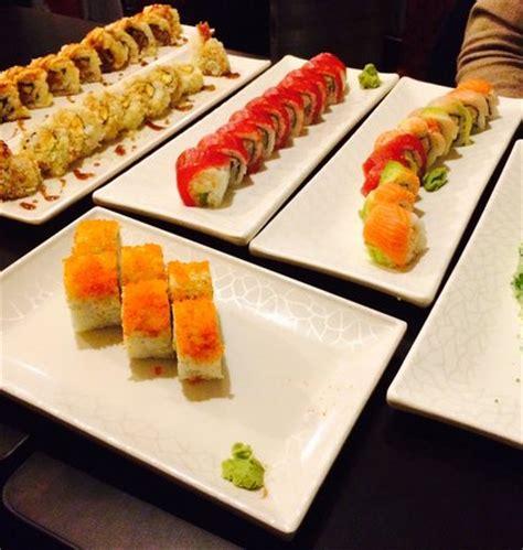 futon roll sushi sushi roll photo de wrap n roll sushi tripadvisor