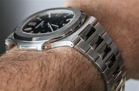 Patek Philippe Nautilus 40th Anniversary 5711/1P Platinum Watch Hands On   aBlogtoWatch
