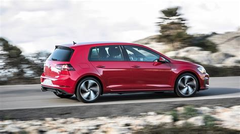 Vw Golf Gti 5 Door by 2017 Volkswagen Golf Gti And Performance Edition 1