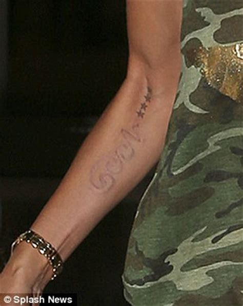 heidi klum tattoo removal heidi klum shows the results of removal as seal
