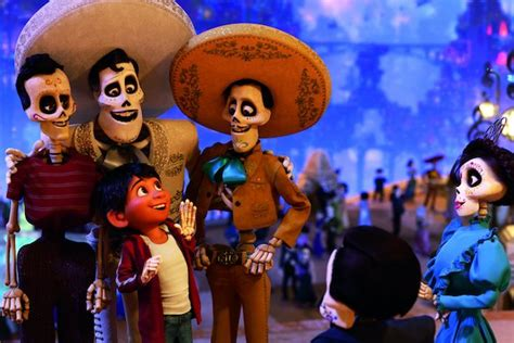 coco vs moana coco set to celebrate thanksgiving weekend with 71 million