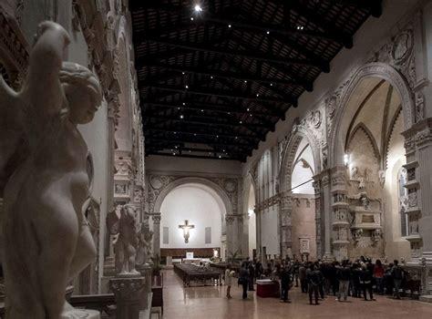 tempio malatestiano interno tempio di sera visita alla cappella dei pianeti nella