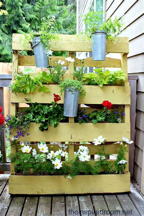 design vertical garden the 50 best vertical garden ideas and designs for 2018
