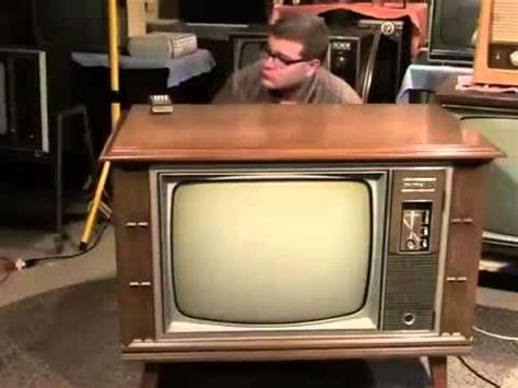 color tv broadcast a 1970 zenith color tv and news broadcast from