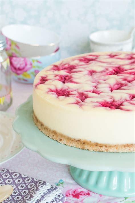 decorar tartas de limon v 237 deo receta tarta de queso y remolinos de frambuesa