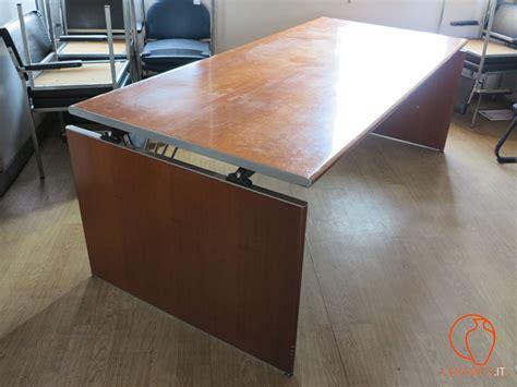 tavolo ufficio ceramics grande tavolo da ufficio in legno usato